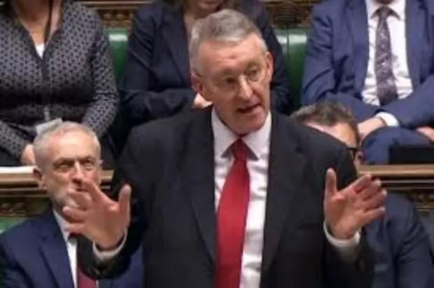 一篇几乎完美的议会演讲,一个祖传政客的犯上逆袭