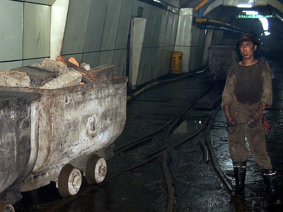 专家对话:中国煤矿禁令将如何有益于气候及环境