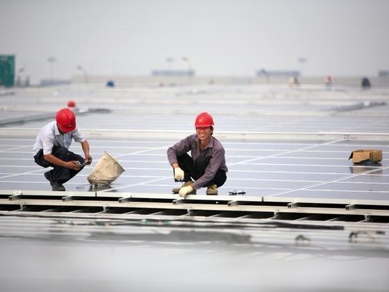 """中国电力产业呈现""""新常态"""""""