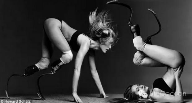 艾米·穆林斯与她的十二双美腿:创想与超越