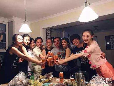 天天神评论:杭州80后夫妻辞职在家,也能月入2万!