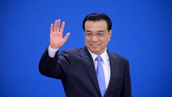 """中国外交部""""告诉我们,李克强必须留在国内集中精力解决经济问题""""——驻京外交官"""