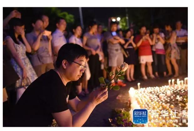 蜡烛刷屏过后,我们如何避免又一场廉价的祭奠