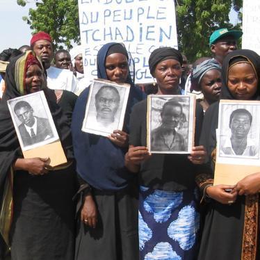 四十万受害者,二十六年抗争,换来对独裁者的最终宣判
