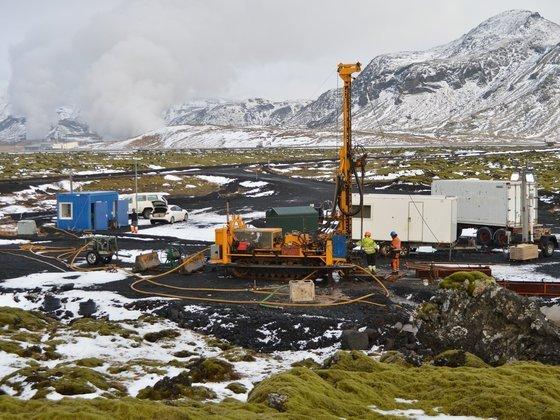 气候变化新突破:冰岛实验项目将二氧化碳变石头