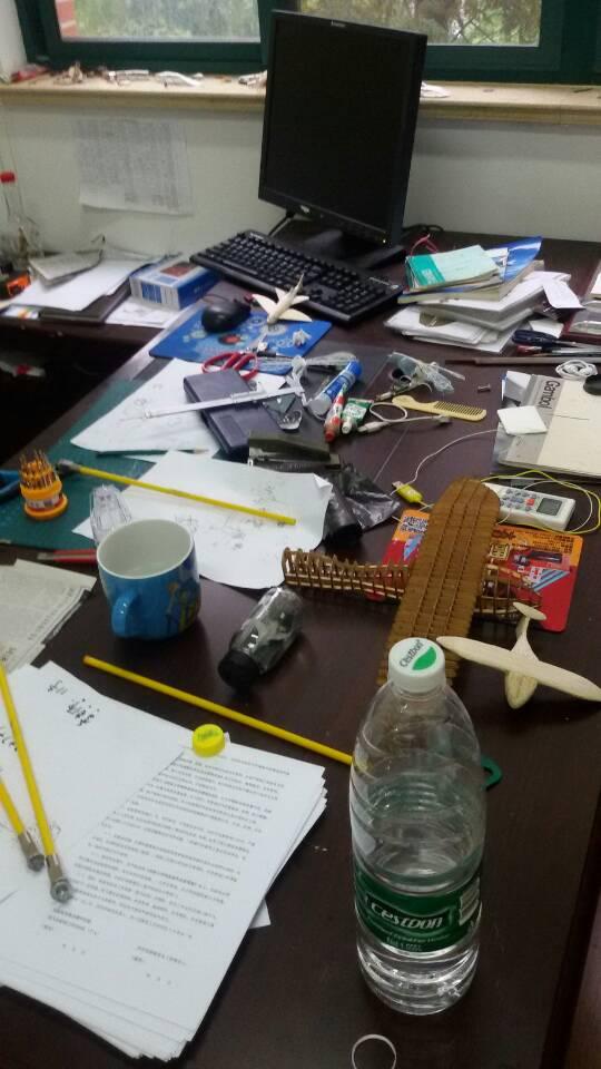 """一个工科教授的办公室""""乱""""象"""