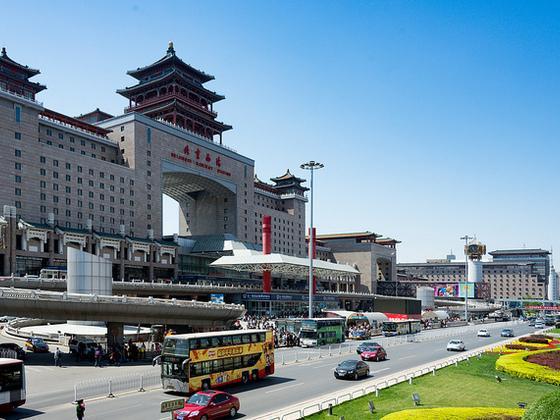藏在蓝天白云之下的中国空气质量挑战
