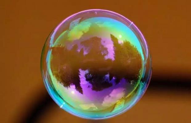 是否房地产泡沫?有无债务危机?何时结构改革?