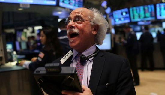 油价跳涨美元回落  美三大股指悉数收于新记录高位