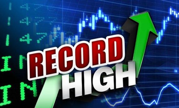 欧洲央行调整购债计划  美三大股指悉数收于纪录高位