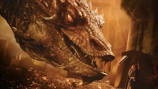 霍比特人剧照:史矛革巨龙灭杀了矮人占领了他们的宝藏