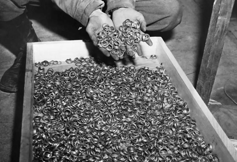 二战期间,每一枚金戒指,都是一个犹太人的性命