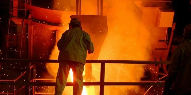 美国和中国官员审议经济合作和钢铁行业的下一步
