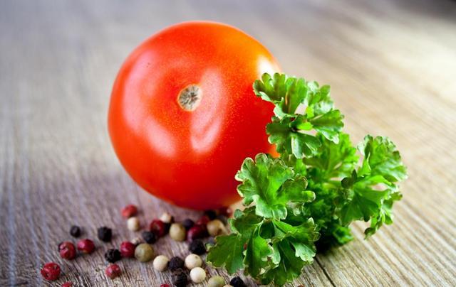 蔬菜大丰收都烂在地里,我们为什么却吃不起蔬菜?