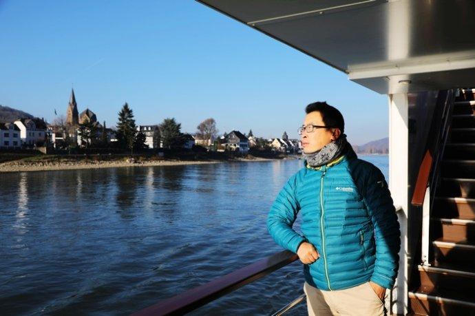 莱茵河上一曲悠长