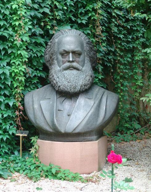 马克思故乡为何拒绝一尊雕像?