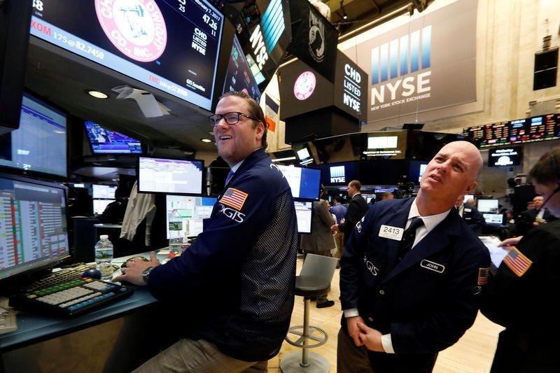 全球股市涨声一片  美三大股指连续第五日刷新记录