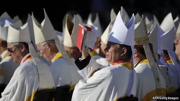 在世俗社会分裂的时代,宗教信仰也在分裂