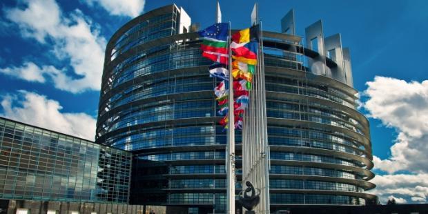 欧盟议会批准了欧盟-加拿大贸易协定