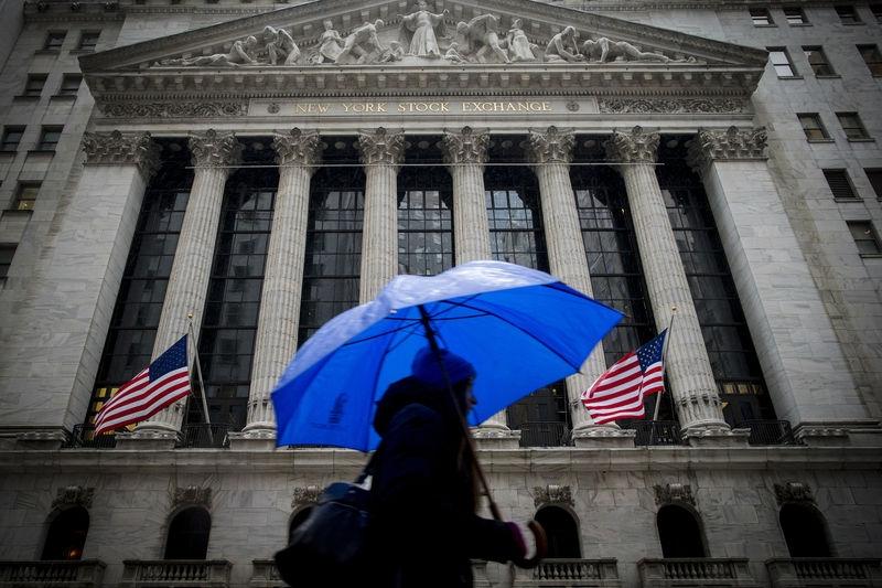 金融股重挫  道指纳指录得去年9月以来最大单日跌幅