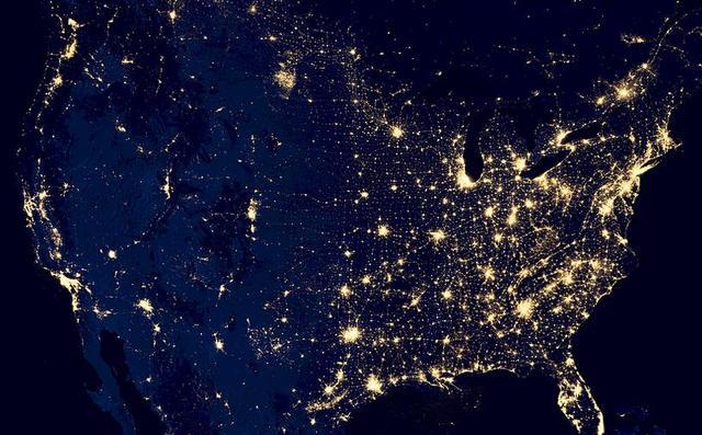 世界为什么这么乖?美国放水跟着放水,美国加息抢着加息?