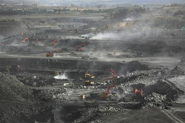 中国煤炭消费连续三年下降