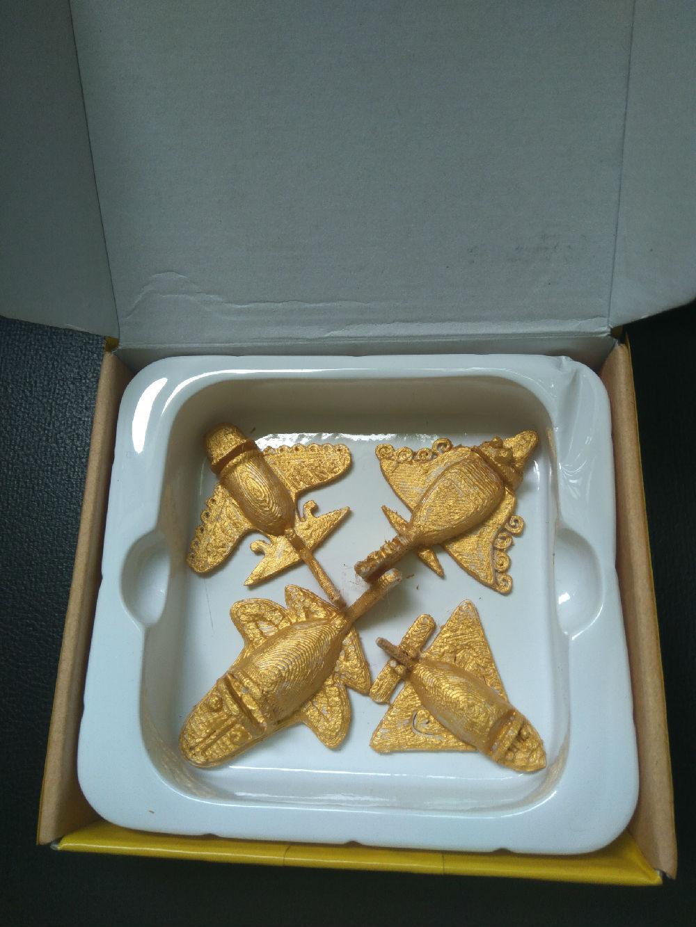 给母校的小礼物:玛雅古墓黄金飞机