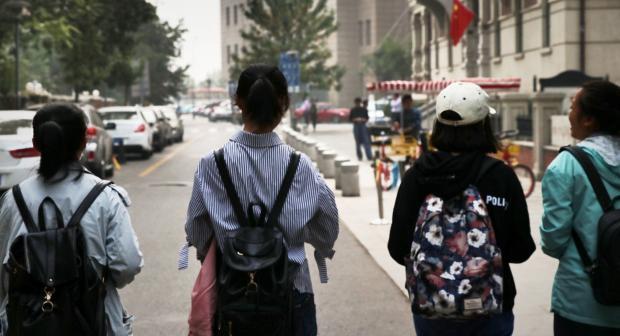 """【采访札记】之三:""""救救孩子"""""""