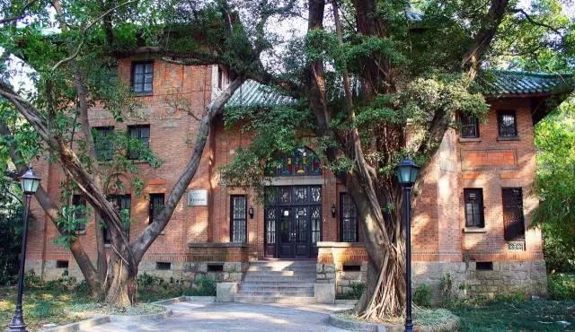 中山大学撤销专业风波折射的高教问题