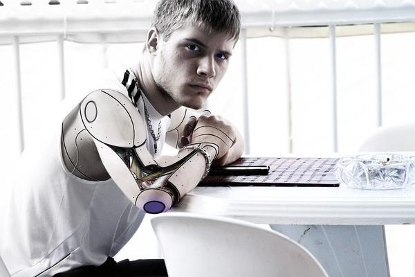 柯洁败给阿尔法狗,人类会被人工智能淘汰吗?