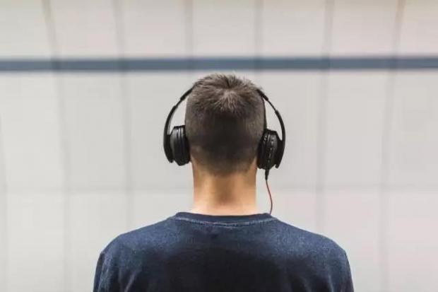 如何提高英语听力?
