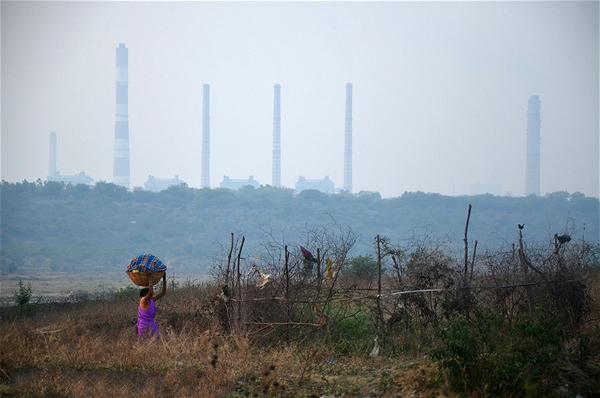 """中国参与""""一带一路""""煤电项目的利与弊"""