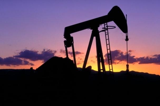 油价跌入熊市  美三大股指齐跌
