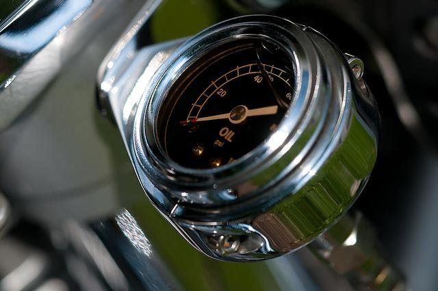 油价又降,低油价时代为什么私营加油站还能更便宜?