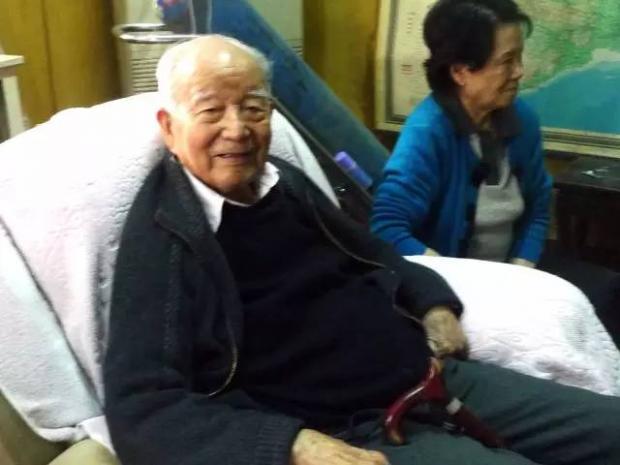 开国将军任荣去世,享年百岁:他曾和毛岸英同车入朝 | 开国将军轶事