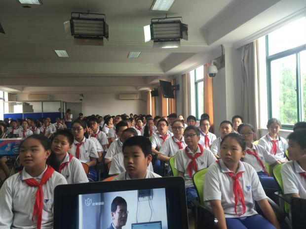 应邀为上海杨浦实验学校策划航空科技节