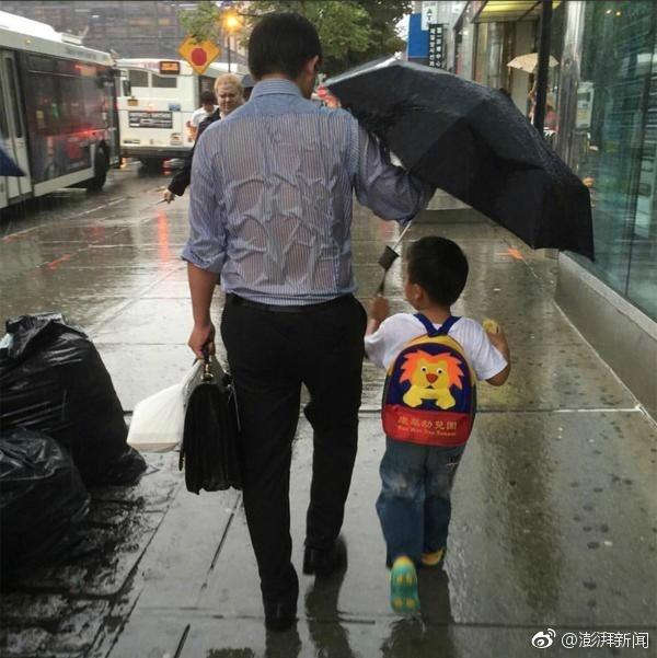 """""""雨伞爸爸""""的背部照片,有肖像权吗?"""
