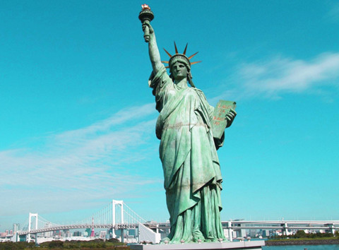 自由女神像经历了什么?这些年来是什么让它变绿