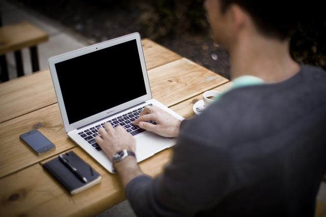 工作越久越穷,你越来越不值钱的原因是什么?