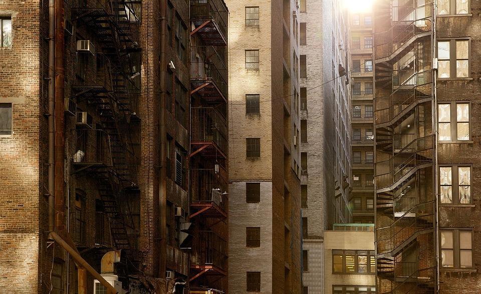 大城市中月入过万的人,为何你还活得如此艰难?