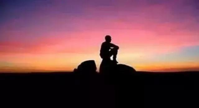 自由在很多时候长得像是孤独