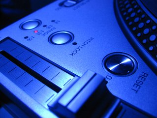 MEDIA: Tencent, Alibaba in Music Licensing Swap as Regulator Gets Involved