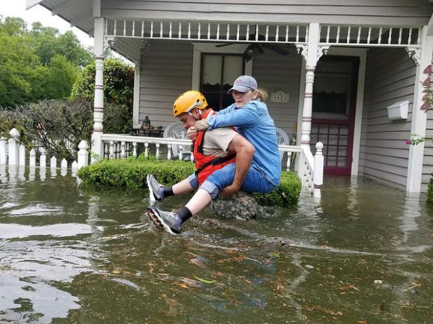 """飓风""""哈维""""留下的思考"""