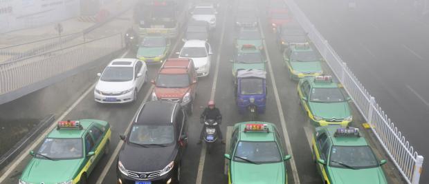 """中国希望让燃油汽车""""成为历史"""""""