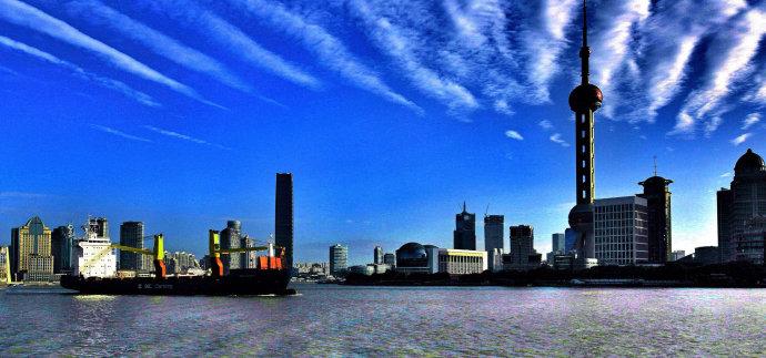 申城出现奇怪的云