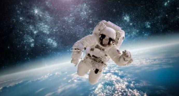 宇航员的衣服脏了该怎么办?