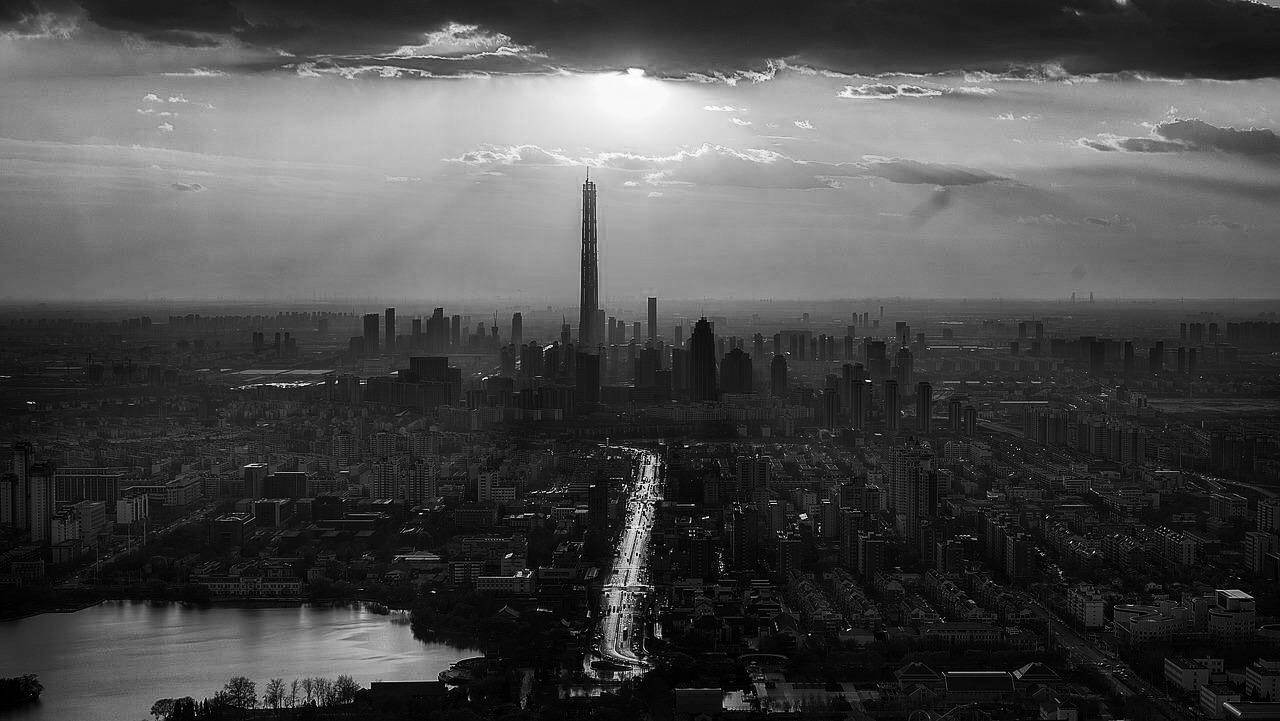 三四线城市悲歌:热闹都是一二线的,除了高房价我什么都没有?