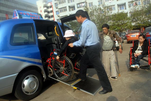 有网约车后,我再也不会用轮椅去逼停出租车了