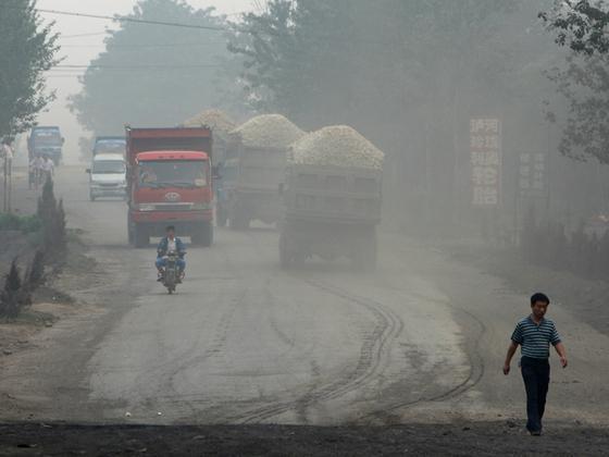 希望、坎坷与争议:甲醇货车在中国