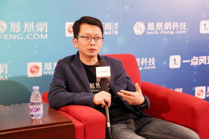 凤凰新闻客户端岳建雄:新风口将至,留在牌桌上等待机会